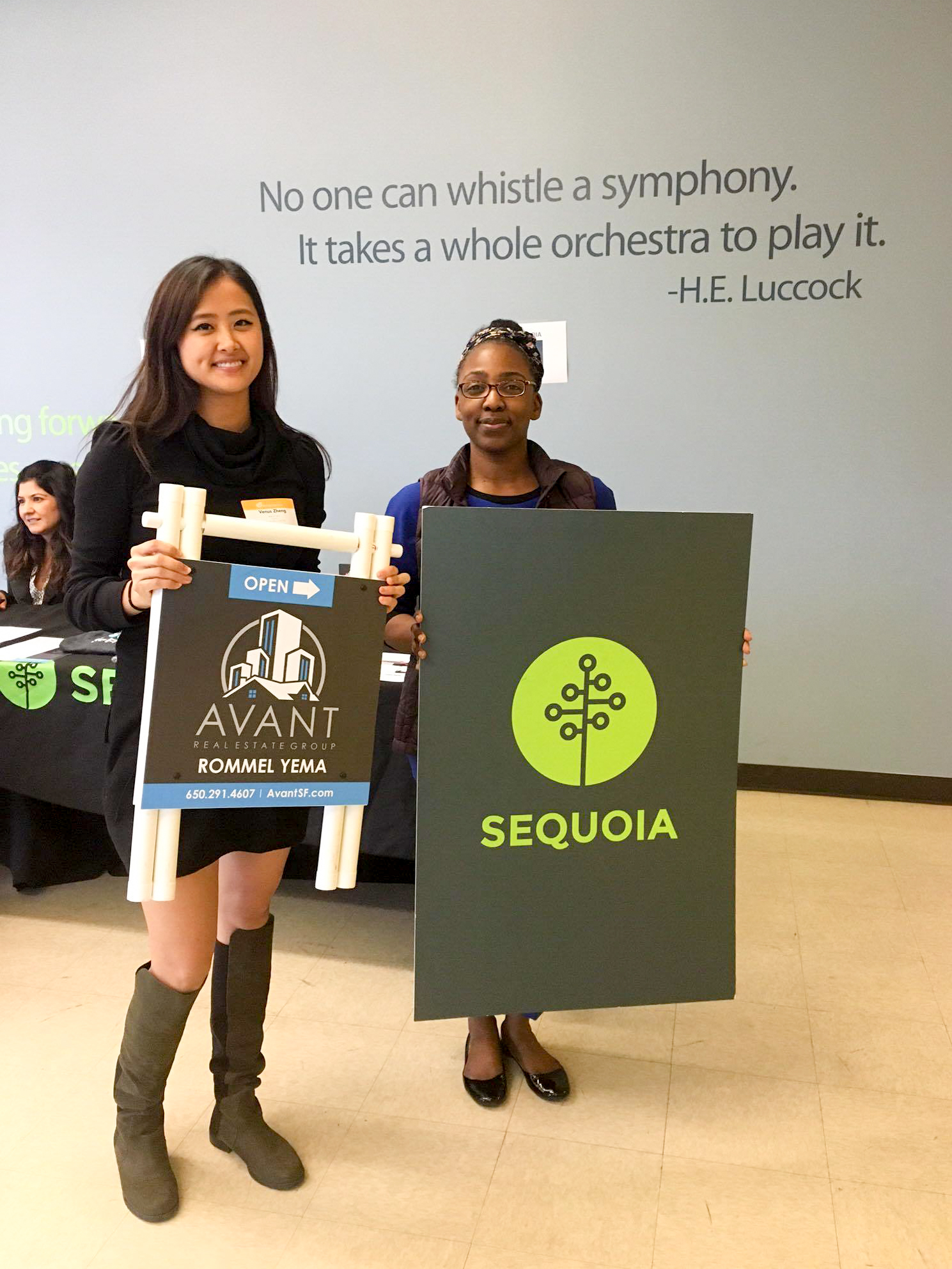 Venus Zheng taking picture with Sequoia at Energy Recovery's Lifestyle Event