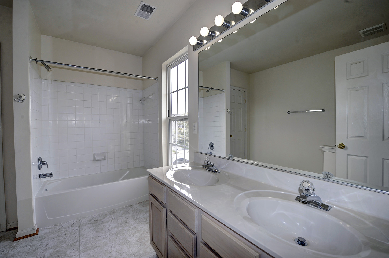 9310 cougar court manassas park va 20111 for Huge master bathrooms