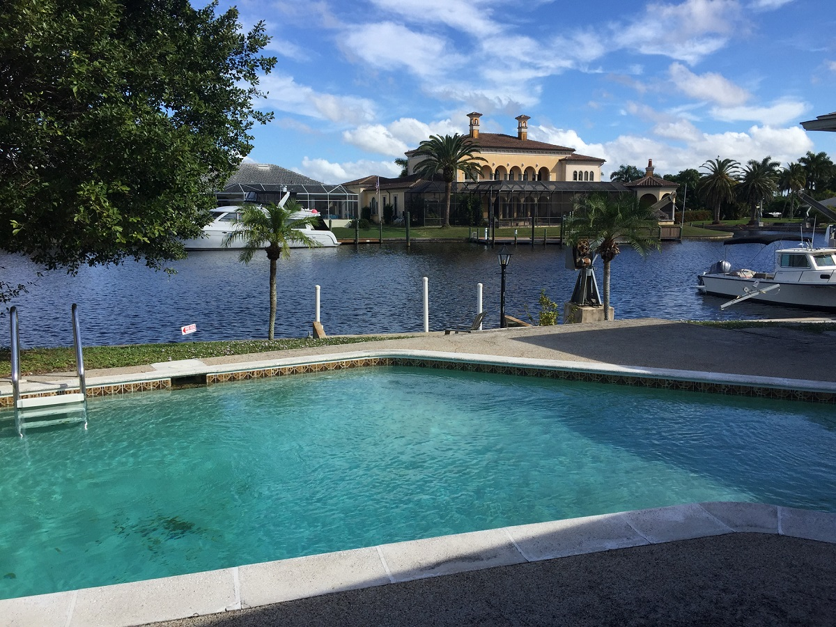 715 Coral Dr canal view
