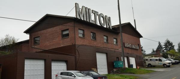 milton water light