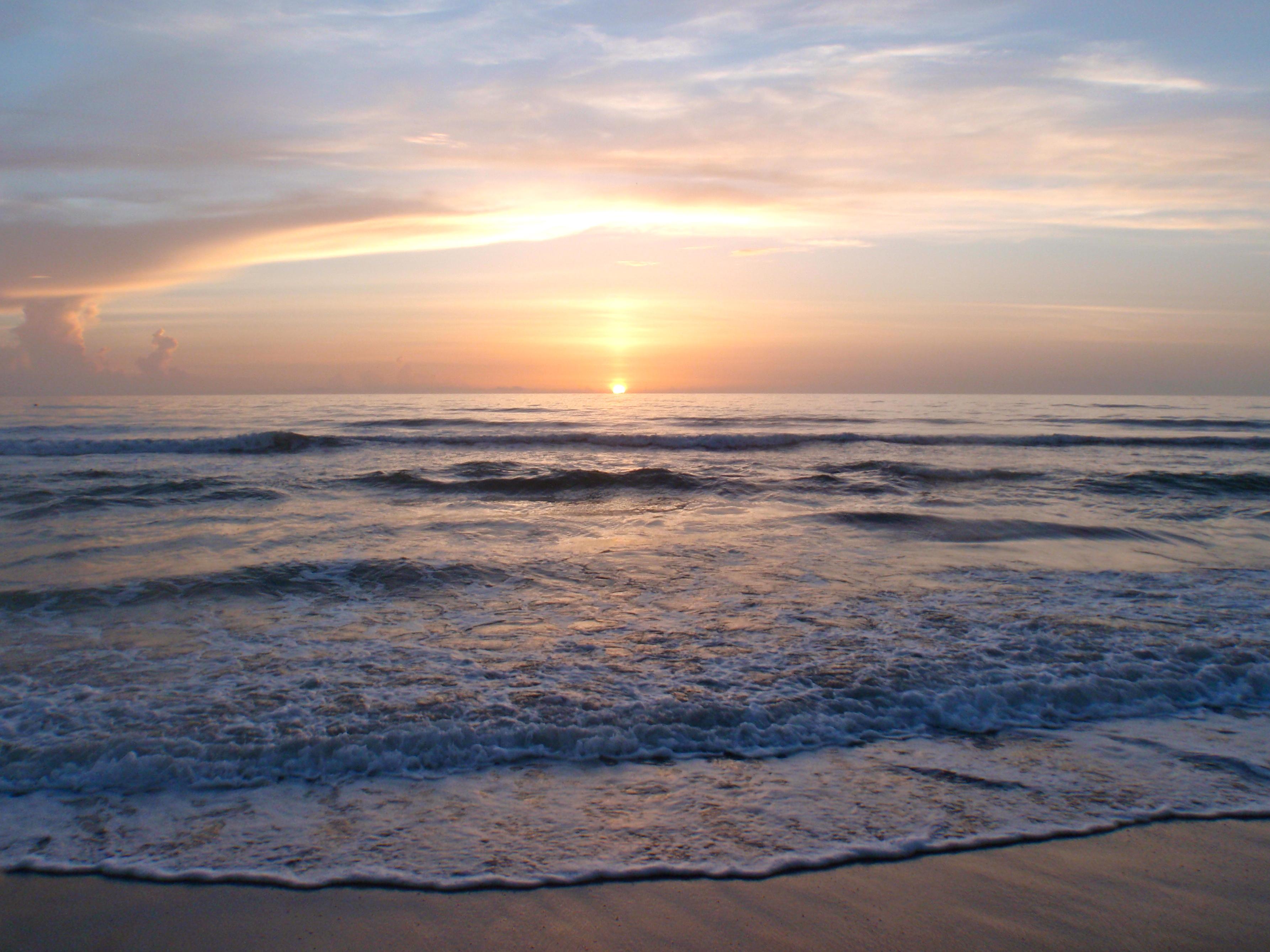 Sunrise Over Melbourne Beach, Florida | Melbourne Beach ...