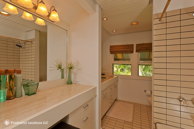 Royal Circle Master Bathroom
