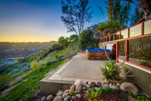 Home for sale in Bay Ho on the canyon