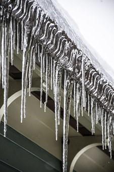 icicles-431975__340.jpg
