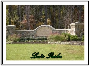 Lee's Parke Fredericksburg Community Gate Sign