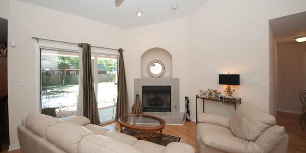 Living room at 912 E Jordan St