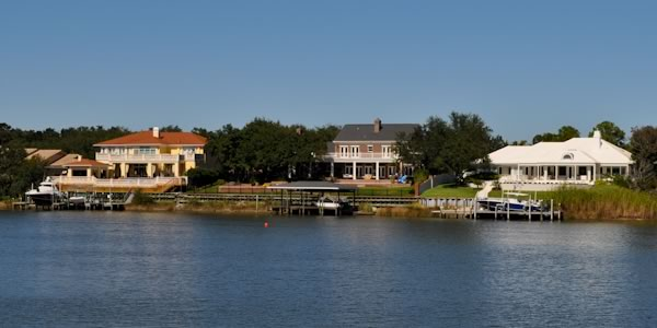 Waterfront homes in Gulf Breeze Proper