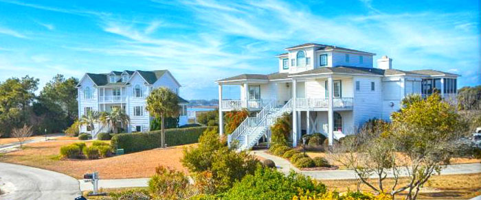 Oak Island Waterway Homes