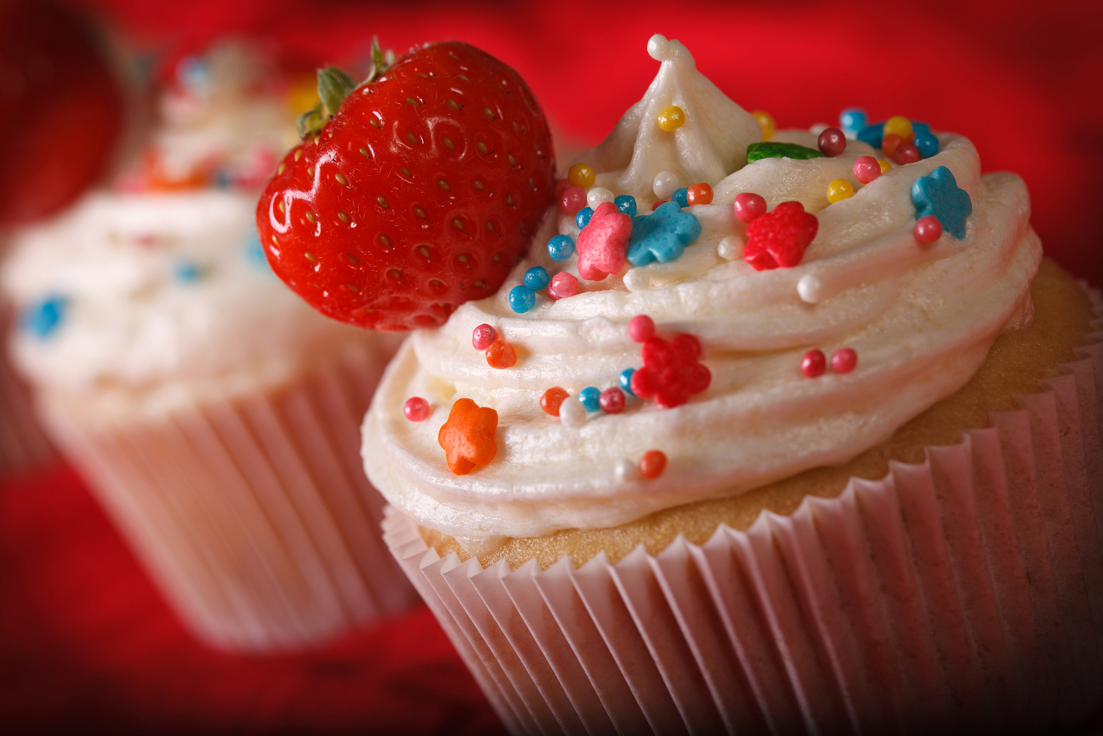Get great cupcakes on Argyle real estate.