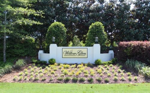 Willow Glen Entrance