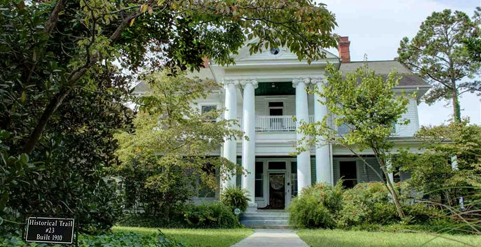 Historic Homes for Sale in Conway