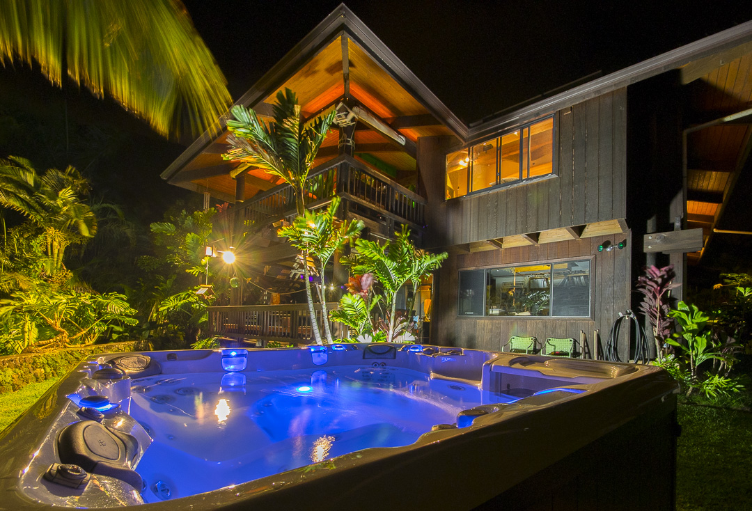 Hot Tub in Palolo