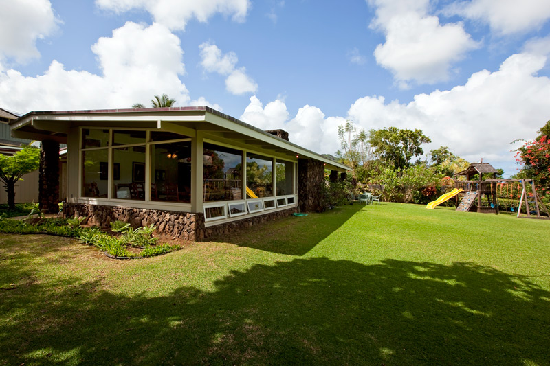 Classic Mid Century Modern Exterior in Maunawili