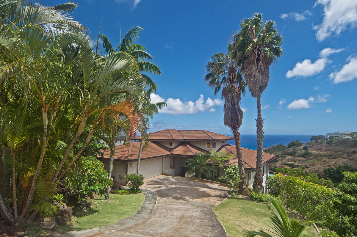 Entering 5257 Kuaiwi Place