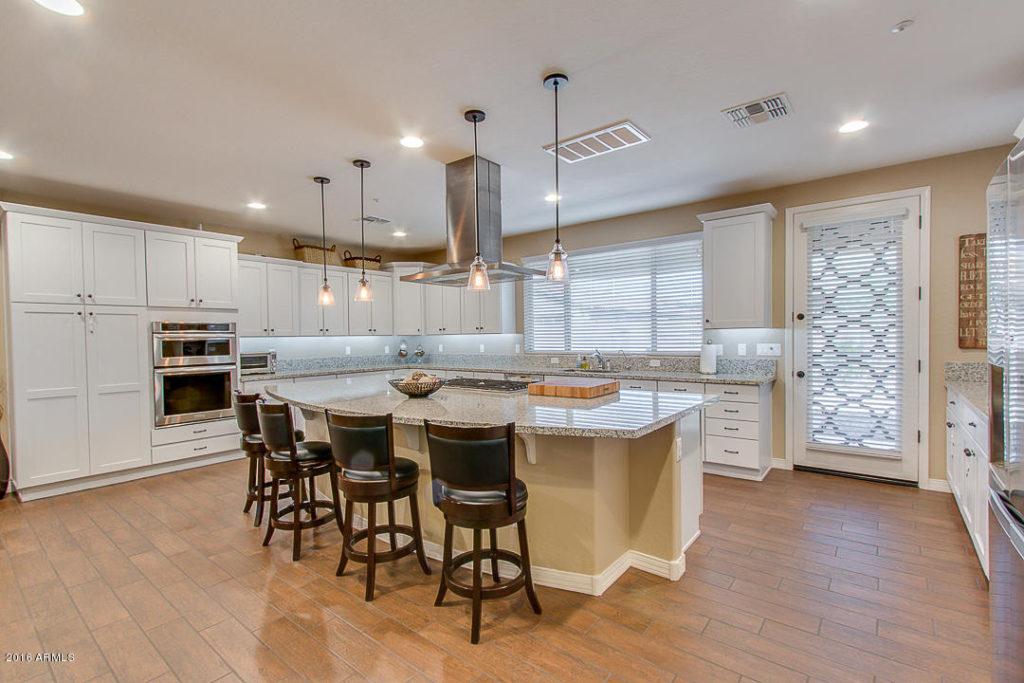m-kitchen-angle