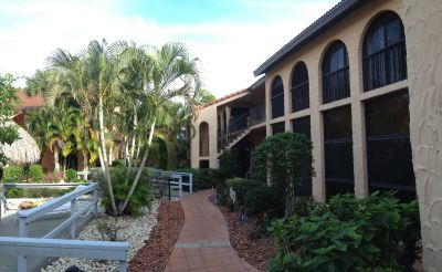 Rose Garden Villas Courtyard