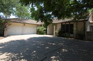 Keep Austin Weird Homes 10411 Pinehurst Dr.