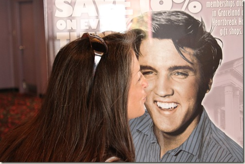 Twitterzilla Kissing Elvis
