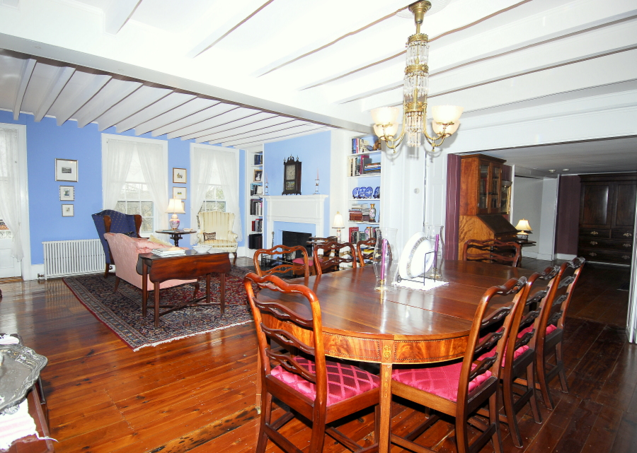 Talbots tavern and loudoun hotel for Living room with 9 foot ceilings