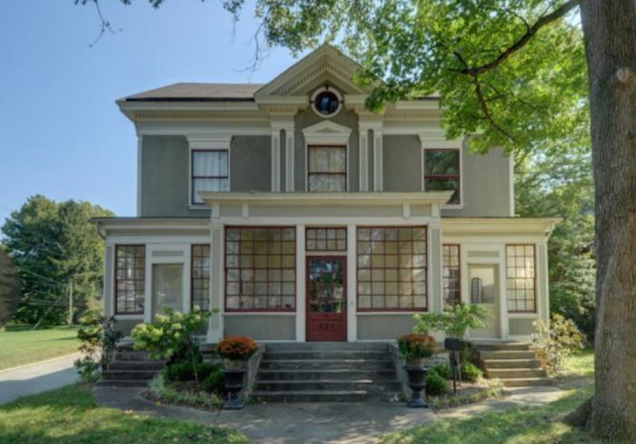 Crescent Hill home picture