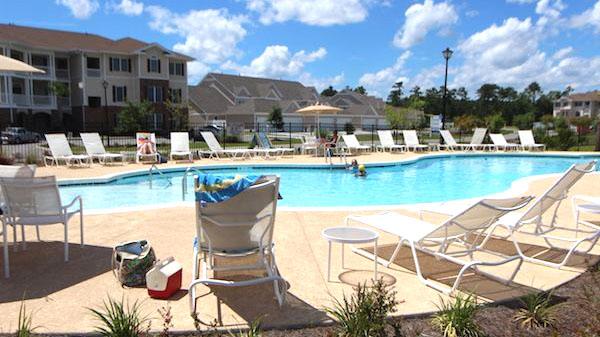 Pool at Brookfield Estates
