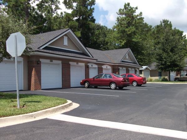 oakleaf plantation condos with garage