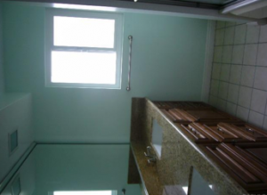 horrible photo of a bathroom