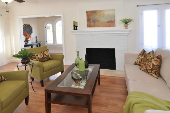 460 Alberta St Altadena Living Room