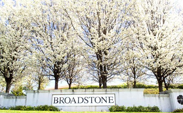 Community entranct to homes in Broadstone in Folsom CA