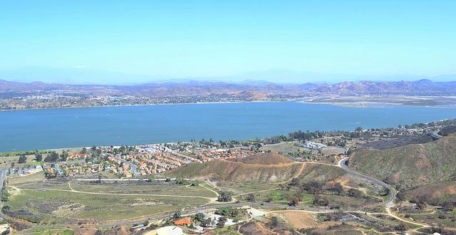 Lake Elsinore real estate and properties