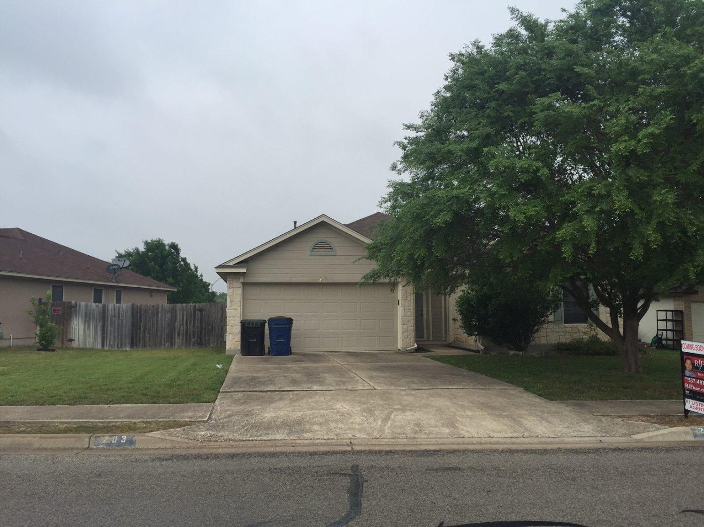 203 Orchard Way, Hutto, TX 78634