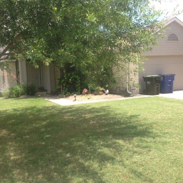 404 Meadowside Drive, Hutto, TX 78634