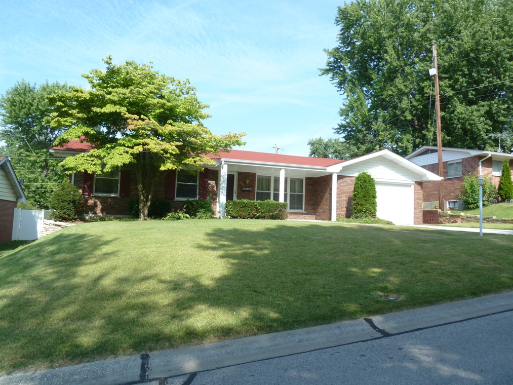109 Meadowlark, St. Charles, MO 63301 is for sale