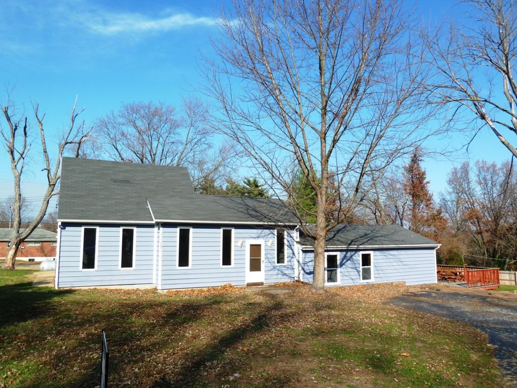 3 Cedar Lane, St. Louis, MO 63128 is for sale