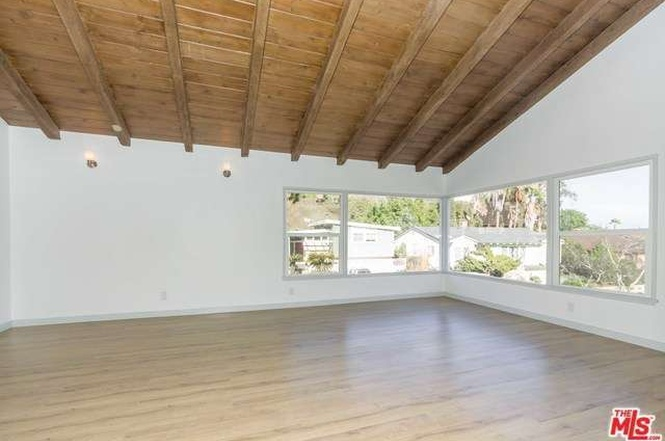 baldwin_hills_living_room_ceilings