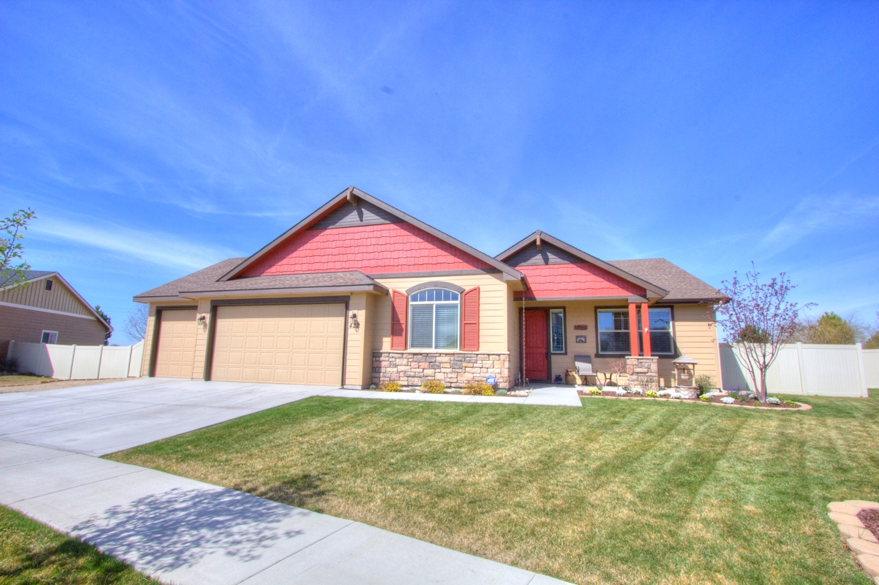 Just Listed! 422 W Meadow Creek Way, Middleton, ID 83644 (MLS# 98582175)
