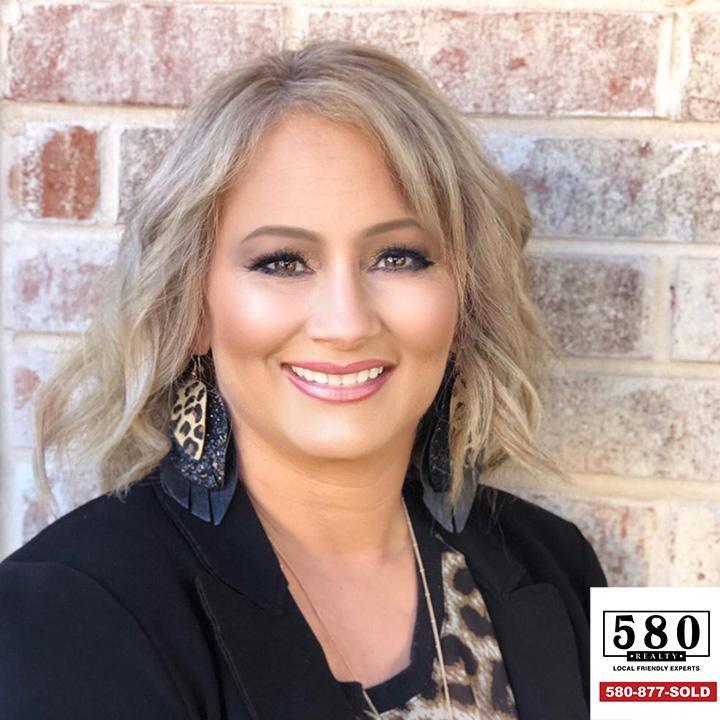Cindy Krasniqi REALTOR® Agente de bienes raíces
