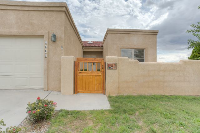 Las Marcadas Home for Sale in NW Albuquerque at 8604 Tia Christina