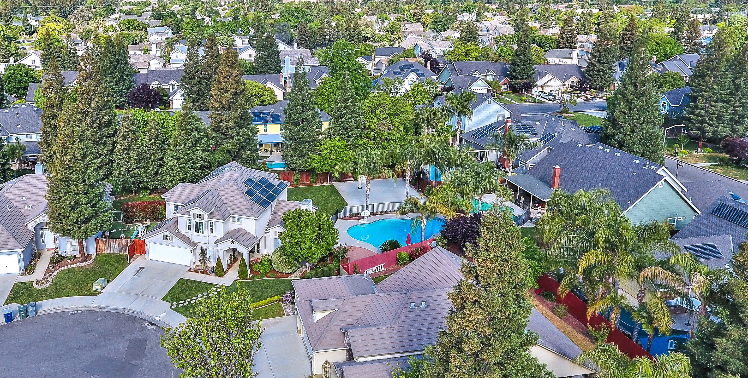 Houses with Pools in Contra Costa County