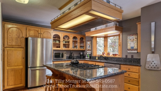 Homes in Tahoe Donner CA - Whether you are entertaining a crowd or preparing a heart-warming dish for your loved ones, the kitchen of this Tahoe Donner home is ready to deliver!