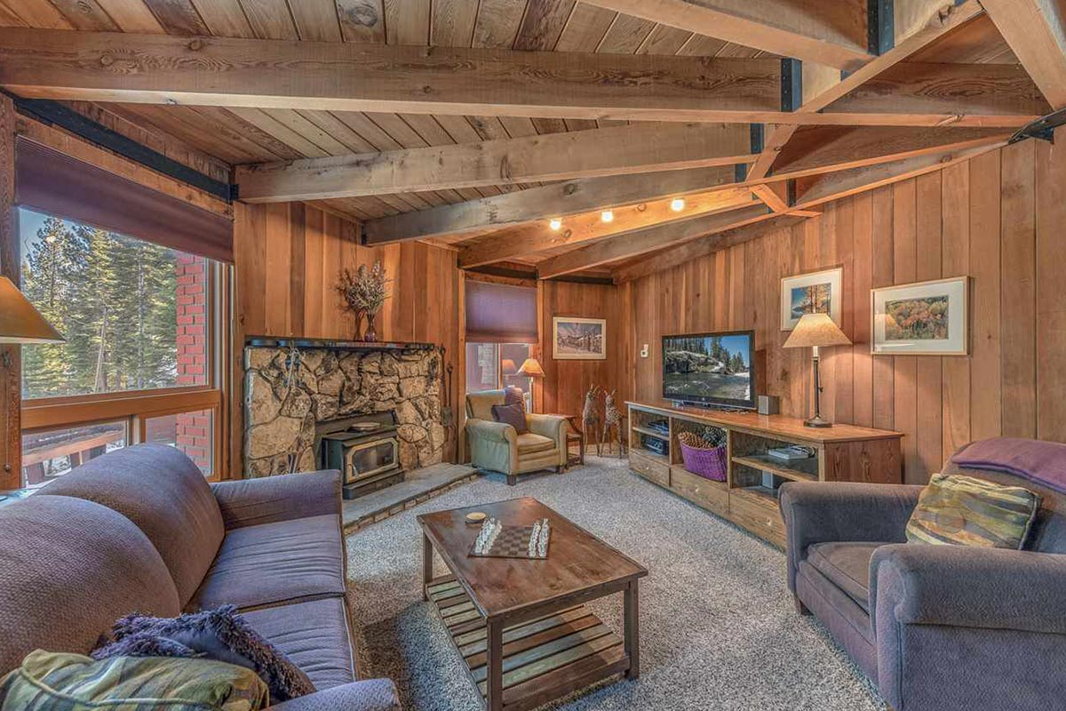 1625 deer path home for sale