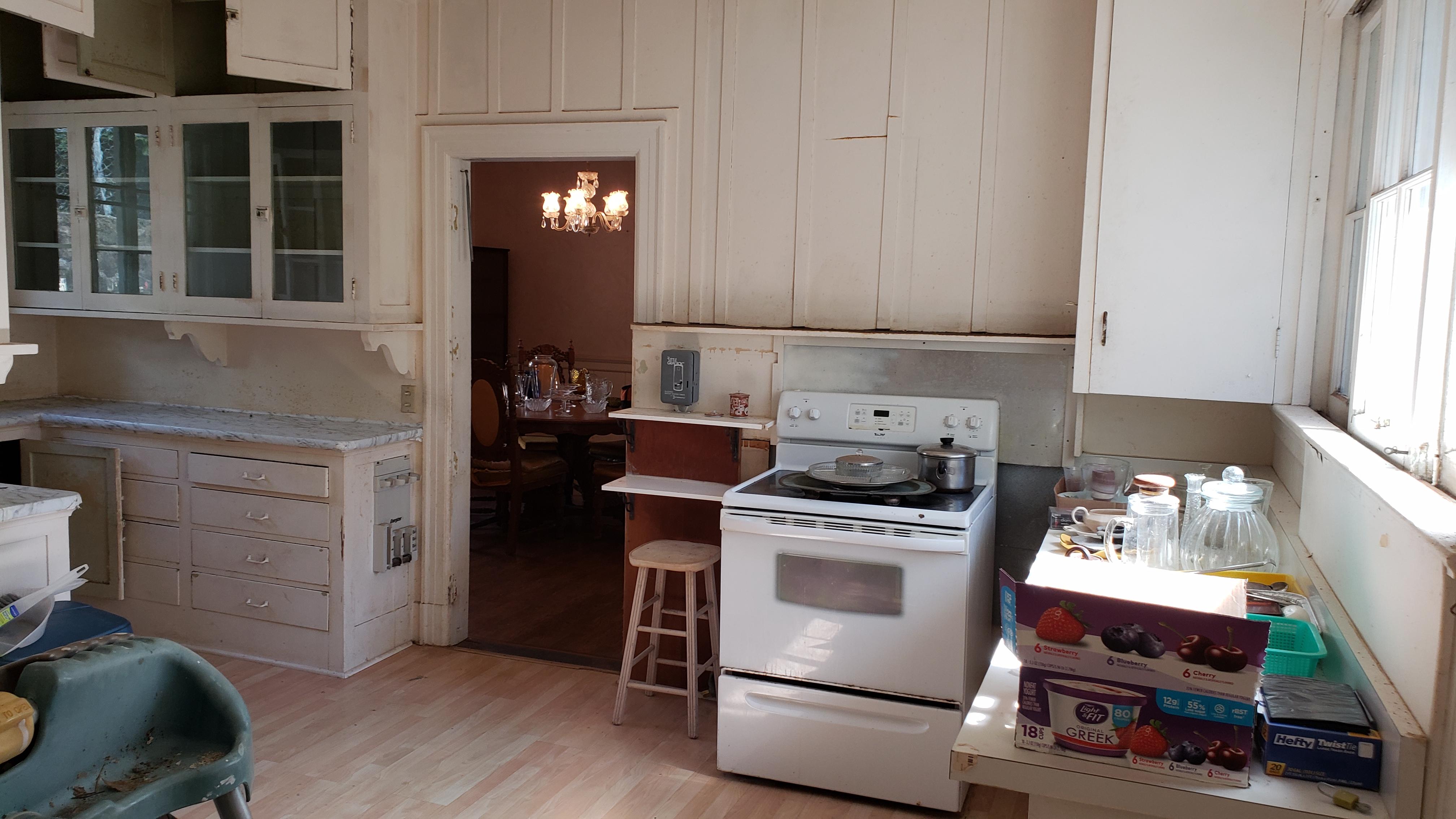 Manoa kitchen