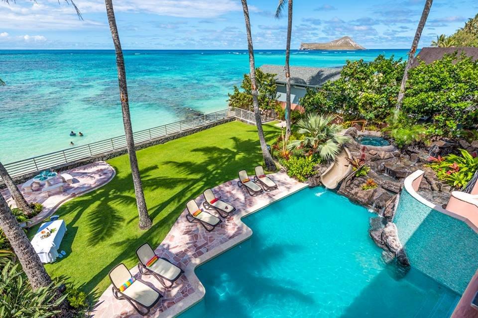 pool Hawaii beach house