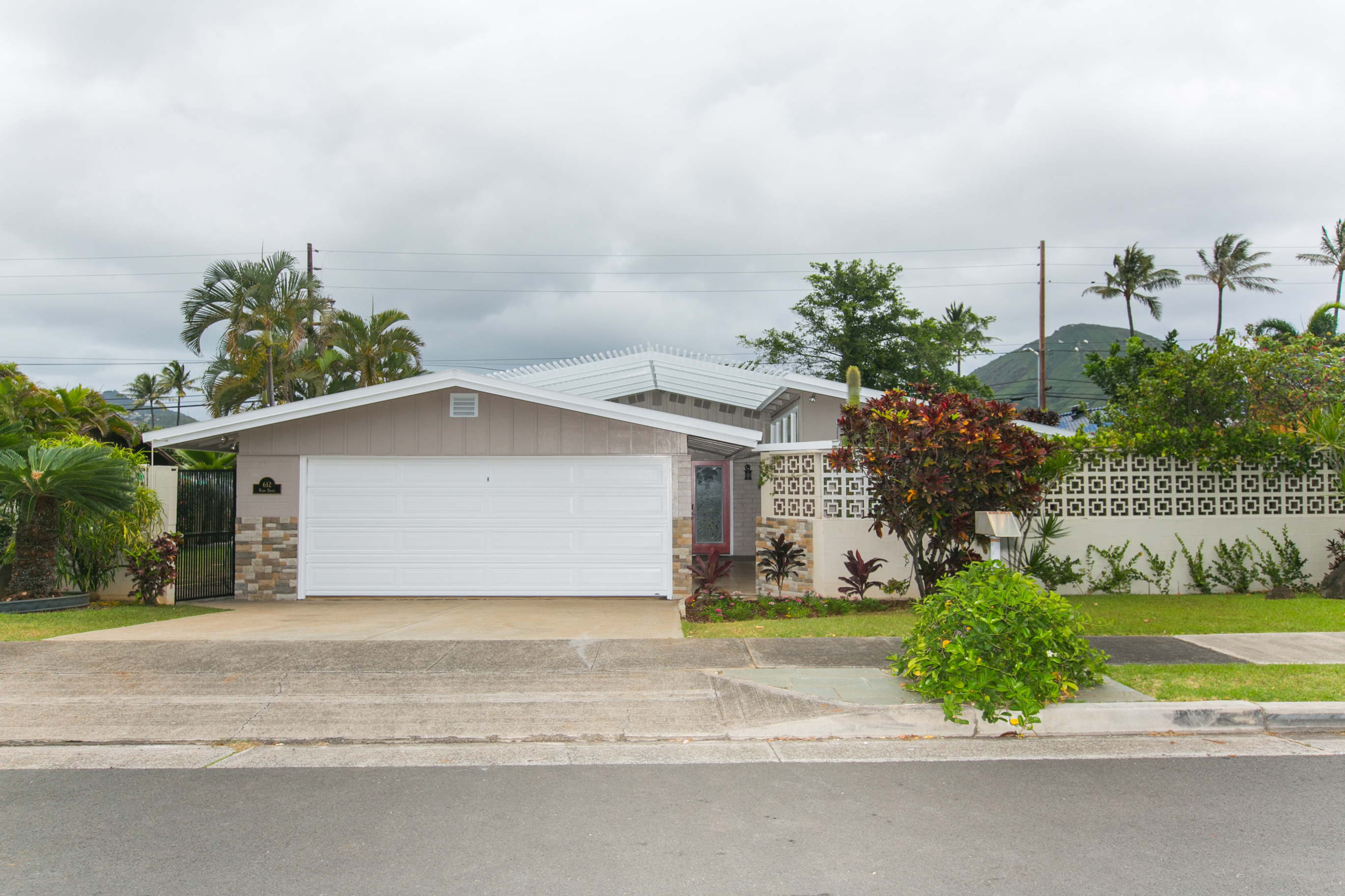 Poipu home new front