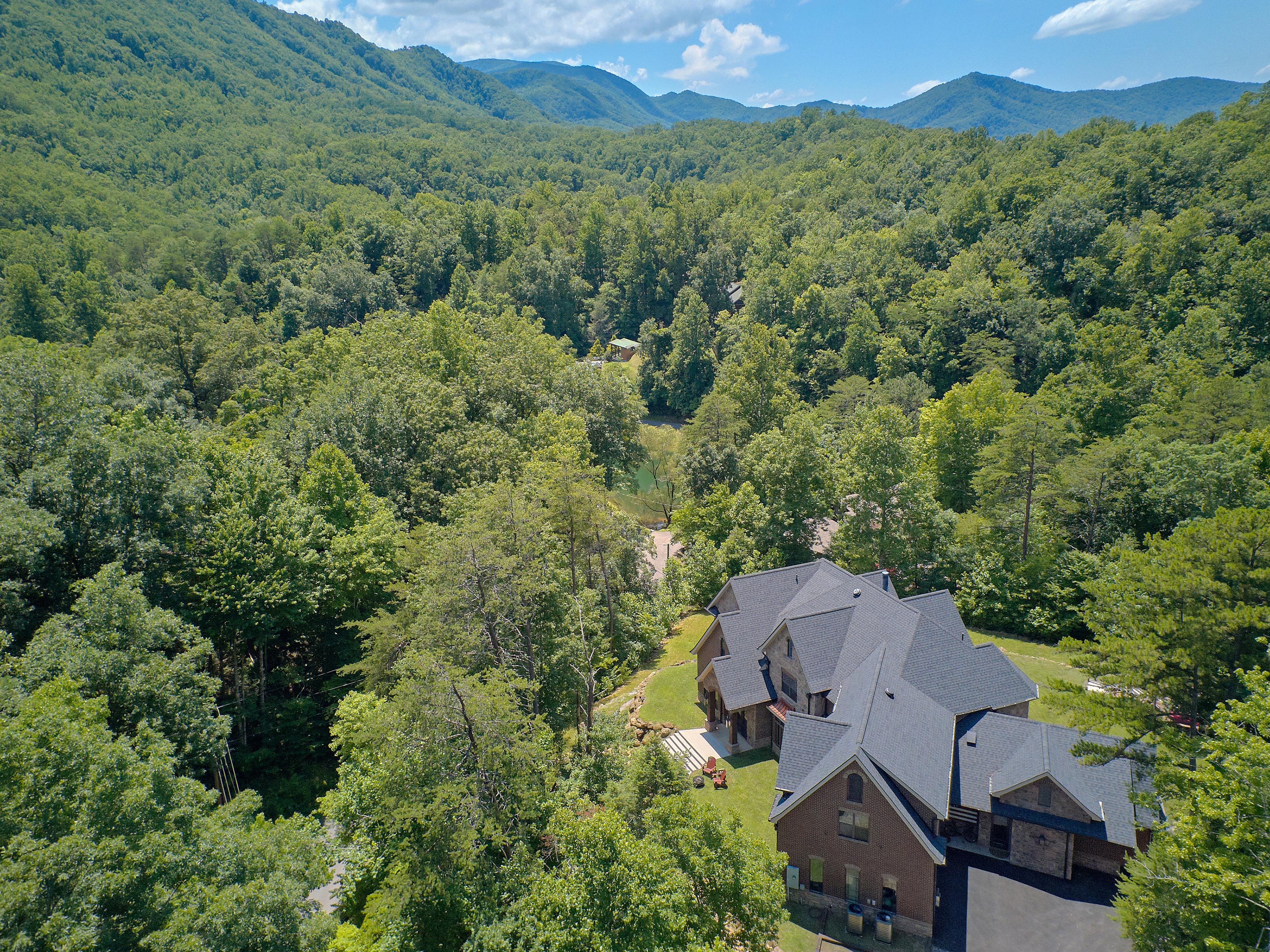 419 Mountain View Road Luxury Mountain Home Gatlinburg
