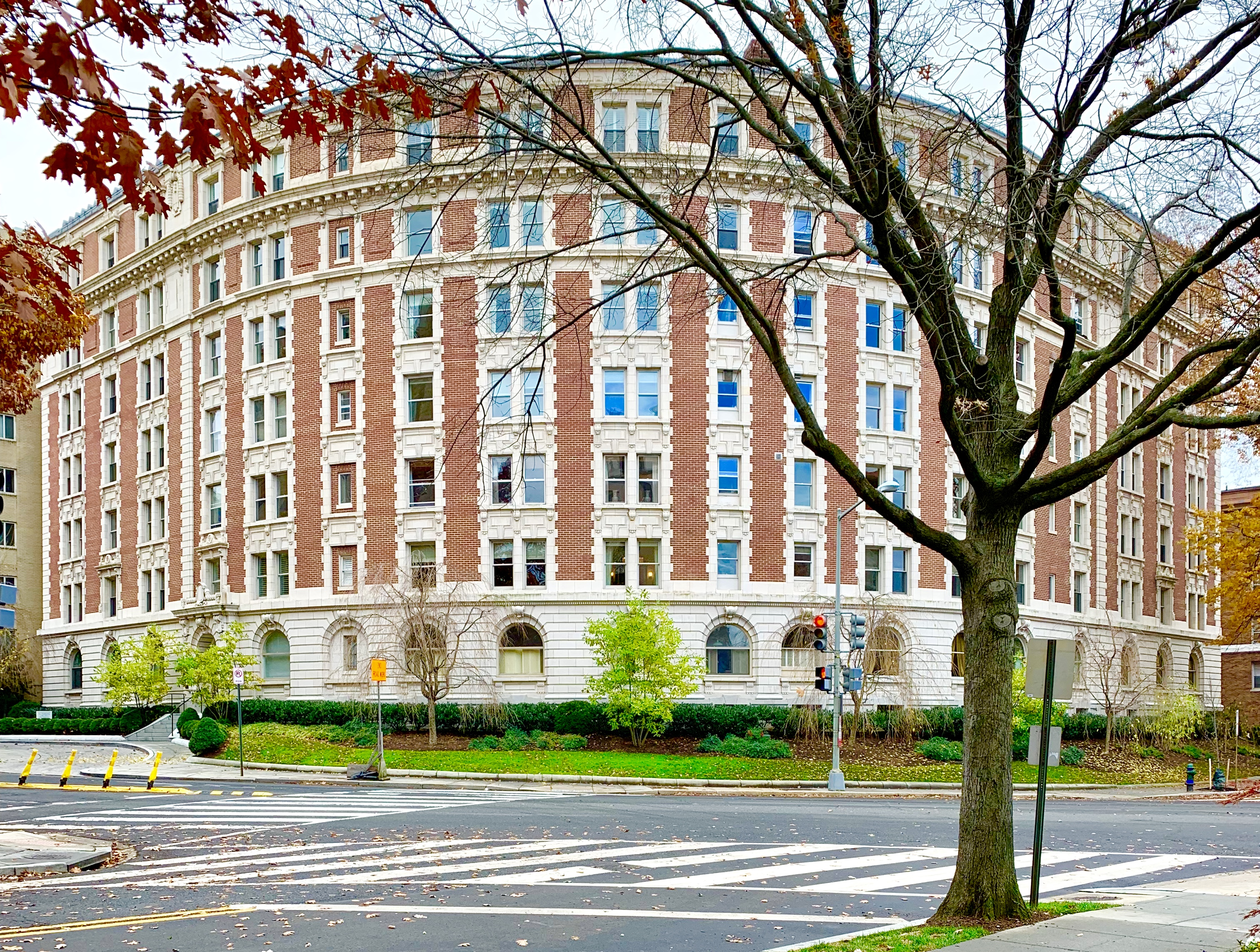 Luxury Condos in Washington, DC. The Dresden in Kalorama.