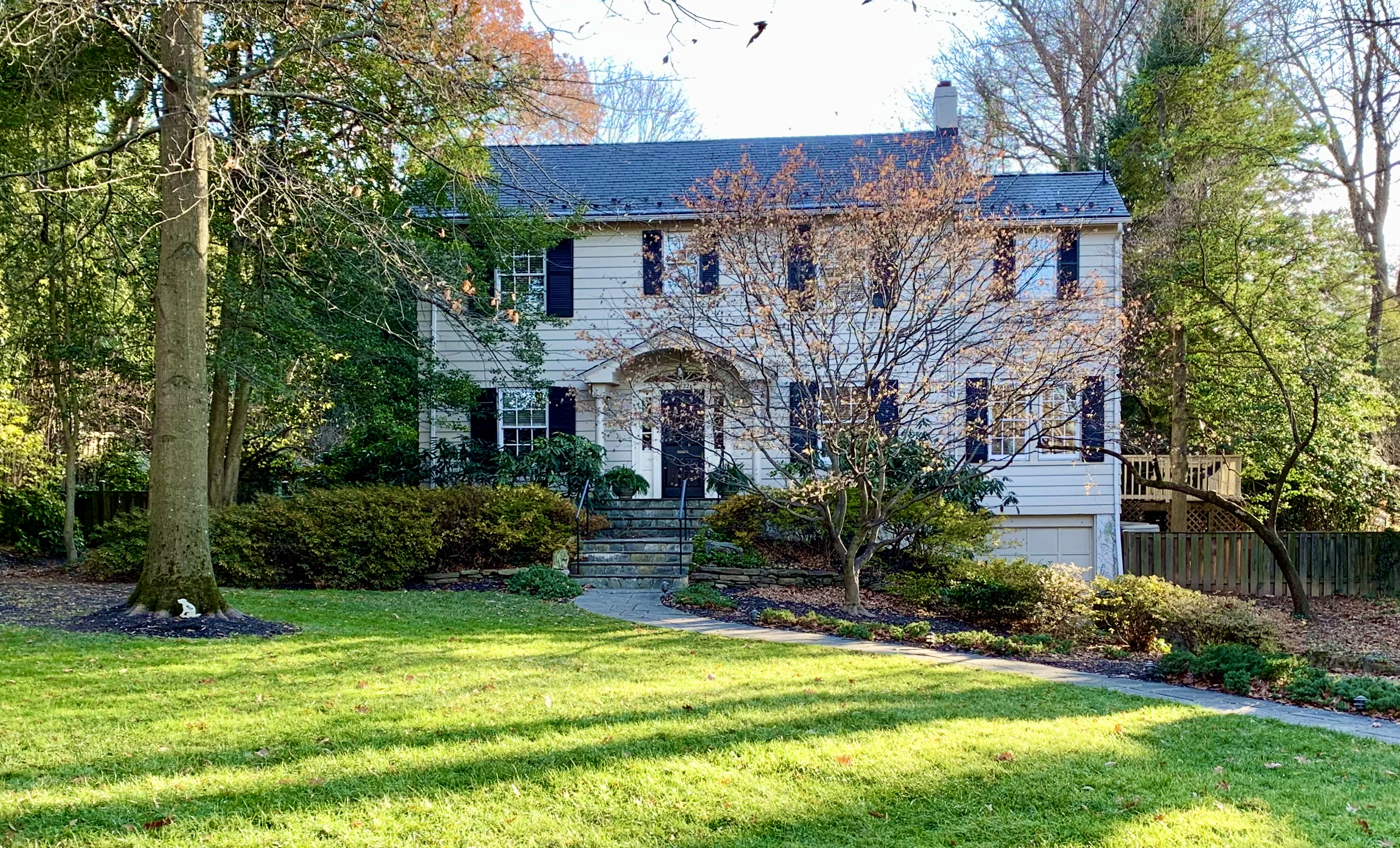 Luxury Homes in Montgomery County, MD. Cumberland Ave in Somerset