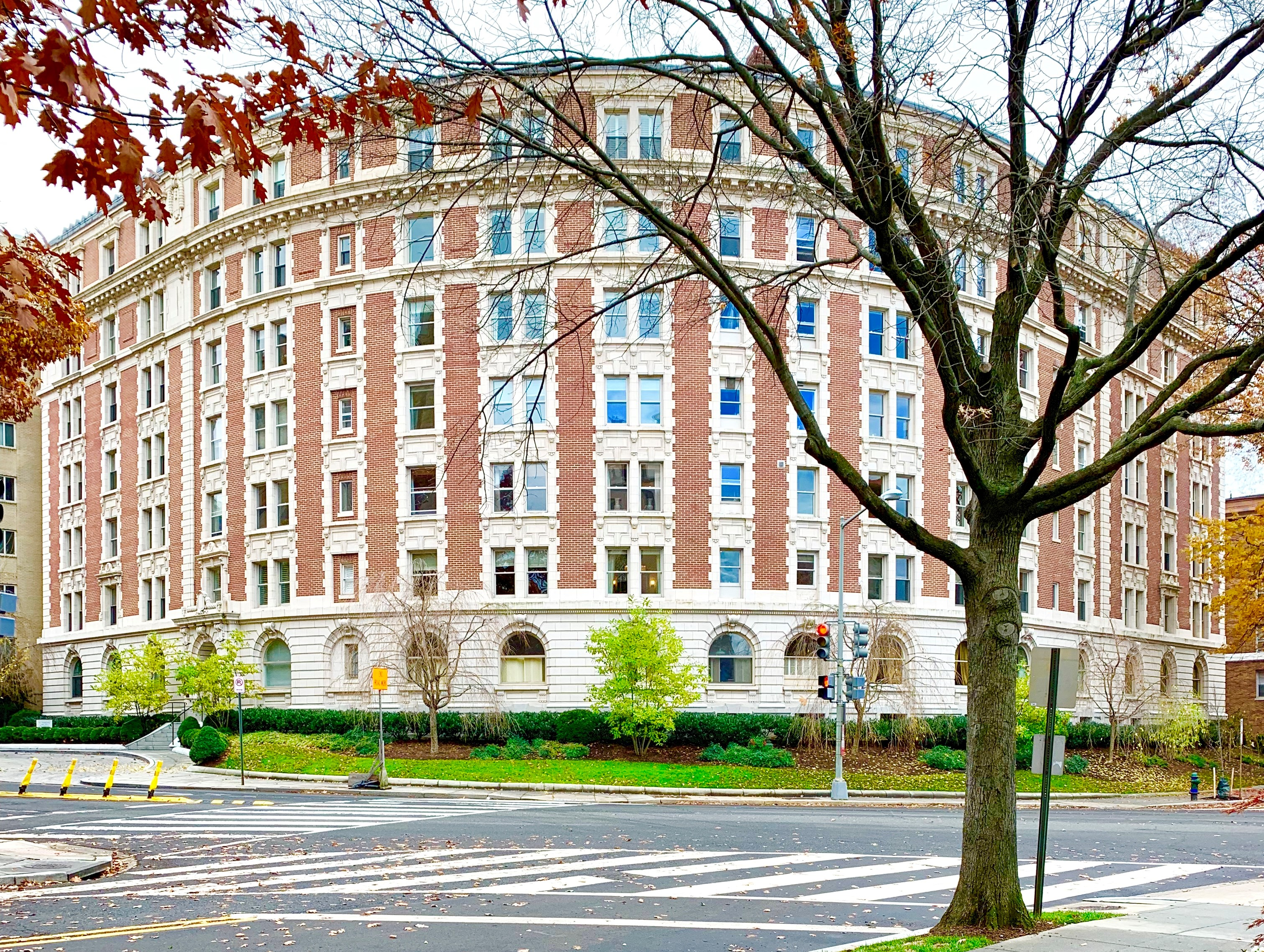 Washington, DC Condos With Garage Parking. Historic Condominium The Dresden in Kalorama