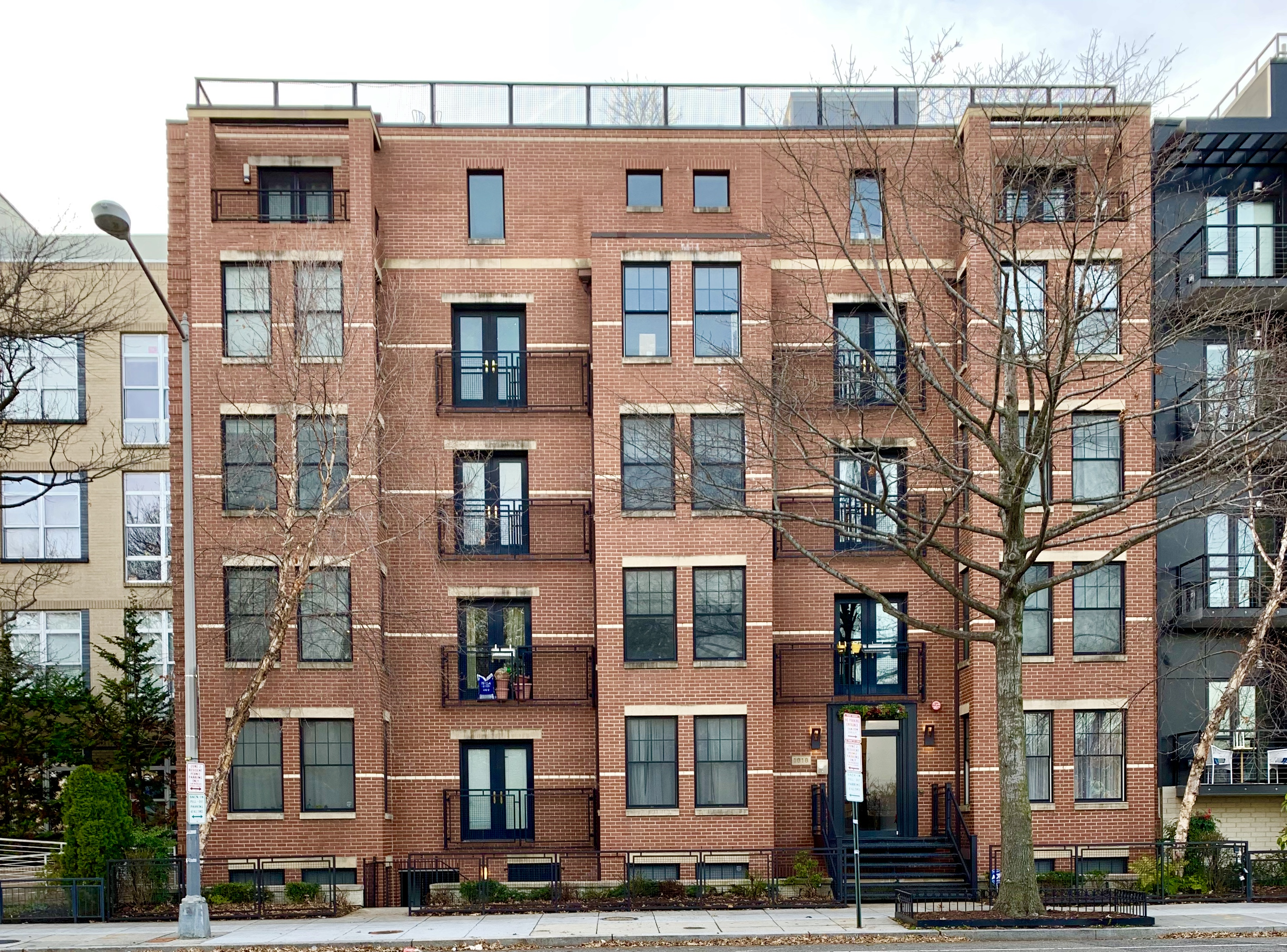 Washington, DC Mid-Rise Condos For Sale. Renaissance at Logan Condos in Logan Circle