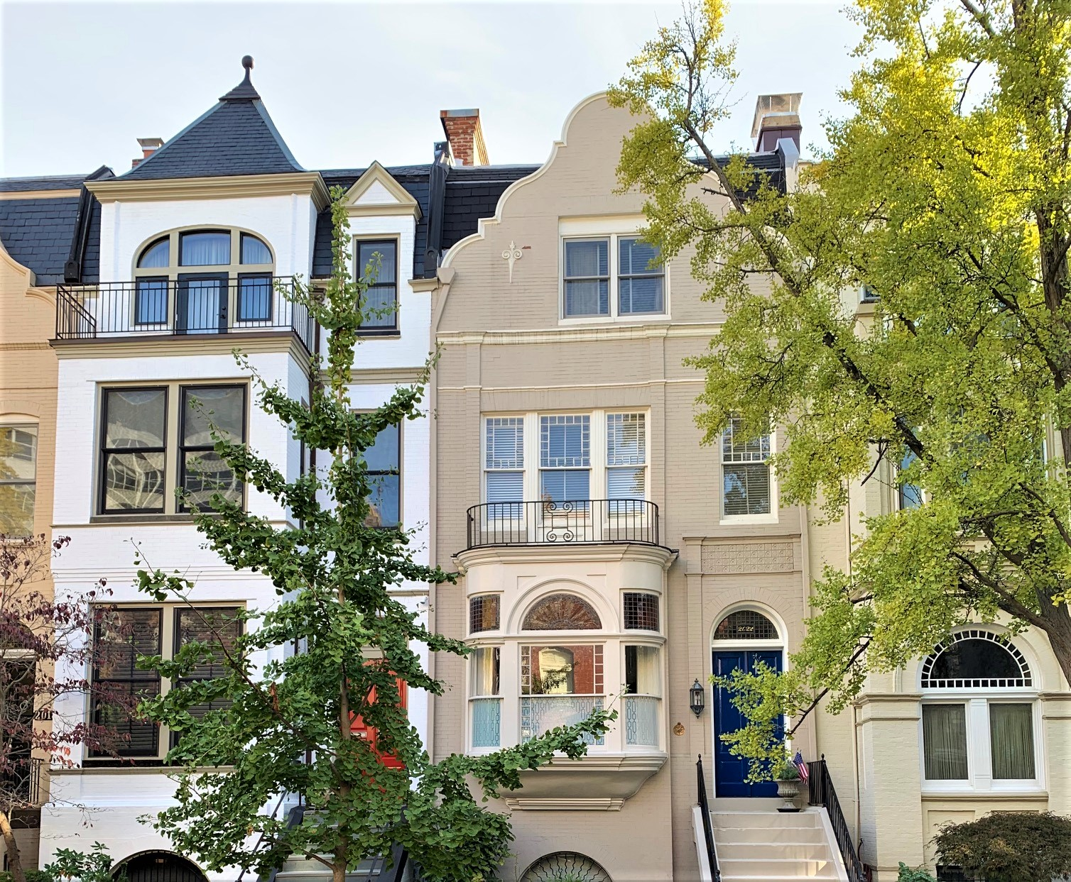 Washington, DC Townhomes For Sale. Hillyer Pl in Dupont Circle. Artyom Shmatko Luxury Real Estate Agent